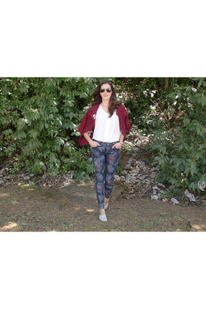 flower printed Zara jeans - Olivas Shoes shoes - burgundy Zara cardigan