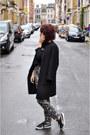 Black-zara-coat-black-zara-sweater-black-mango-pants-black-puma-sneakers