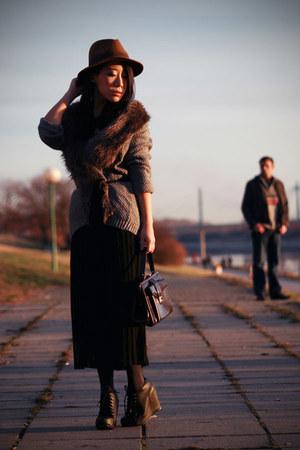 light brown H&M hat - dark brown vintage bag - black pleated vintage skirt - gra
