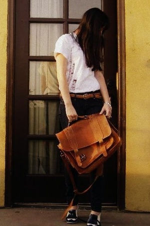 oldnavy shirt - vintage purse - Chip and Pepper jeans - vintage belt - Marc by M