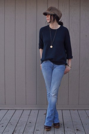 brown vintage hat - sky blue mother jeans - navy madewell sweater