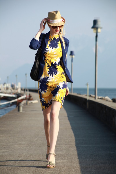 blue H&M blazer - 1970 floral vintage dress - zebra hat - iam bag