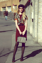 vintage hat - burgandy Mango dress - arabesque avant-premire tights