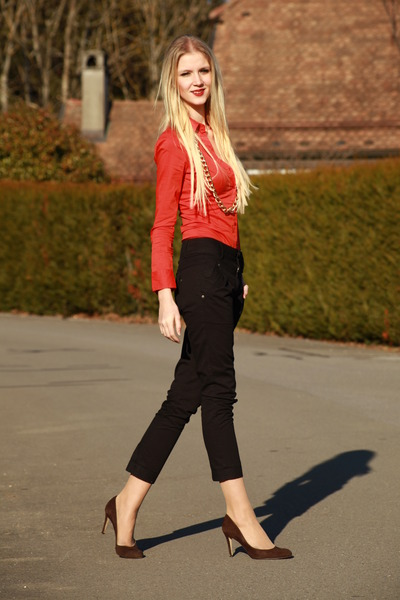 tangerin Vero Moda blouse - chinos Vero Moda pants - brown LK Bennett heels