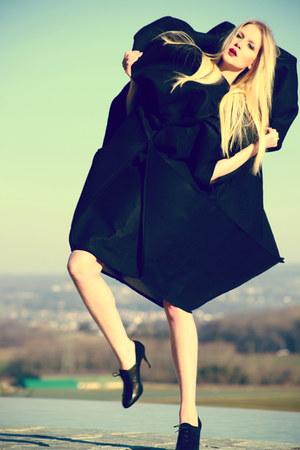 Sabrina Fischer dress - richelieu LK Bennett heels