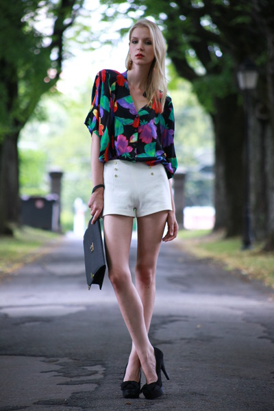 vintage unknown blouse - black clutch Primark bag - Zara shorts