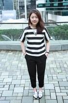 silver shoes - black loose Zara pants