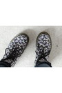 Floral-black-doc-martens-boots-dark-wash-primark-jeans-leopard-print-scarf