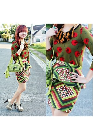 dark green aztec-tribal Bubbles skirt - chartreuse mini Kipling bag