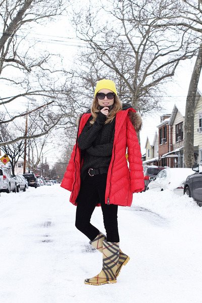 yellow Burberry boots - red Snowimage coat - yellow neff hat