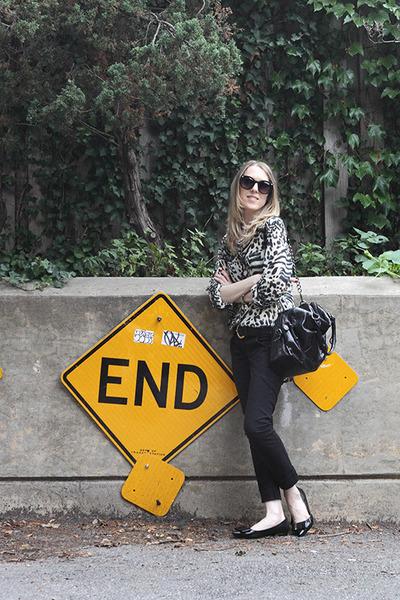 black Audrey Brooke bag - black asos sunglasses - black me Too flats