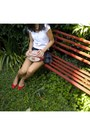 Red-vintage-shoes-gray-frilled-zara-skirt-gold-horse-shaped-oysho-necklace