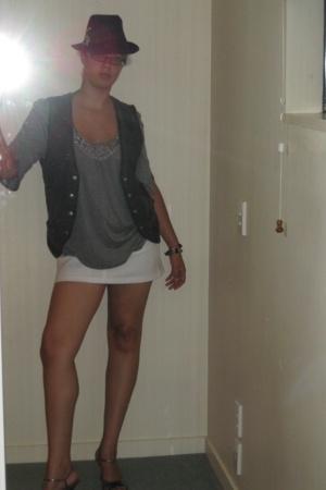 hat - H&M Sevilla blazer - Per Una top - Dorothy Perkins skirt - shoes