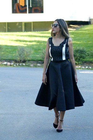 black dita sunglasses - black asos heels - black H&M skirt