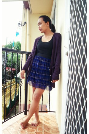 blue skirt - purple sweater - black top