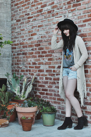 off white fringe LoveStitch cardigan - dark brown ankle boots Dolce Vita boots