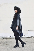 hexagon Tribes  Society necklace - black chunky Hibou boots