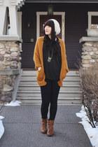 mustard slouchy Sheinside cardigan - gold chevron Foxy Originals necklace