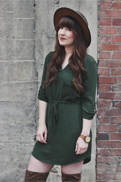 camel Aldo boots - dark green mini dress Jella C dress