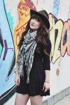 black blanket scarf ecote scarf - black ankle boots Steve Madden boots