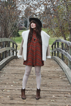 beige shearling ecote jacket - brown ankle boots Steve Madden boots