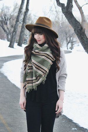olive green blanket scarf wilfred scarf - black ankle boots Steve Madden boots