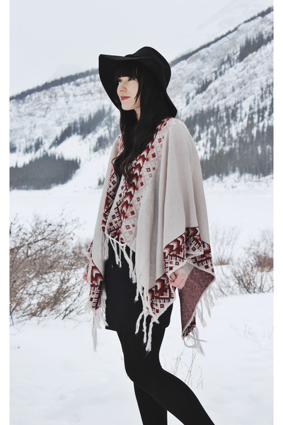 floppy hat free people hat - cape LoveStitch cape