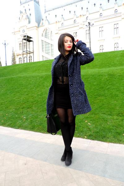 Bershka boots - Stradivarius coat - Zara bag - Bershka skirt - pull&bear blouse