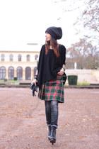 vintage skirt - Gstar jeans - H&M hat - Ekyog sweater - Jeffrey Campbell heels