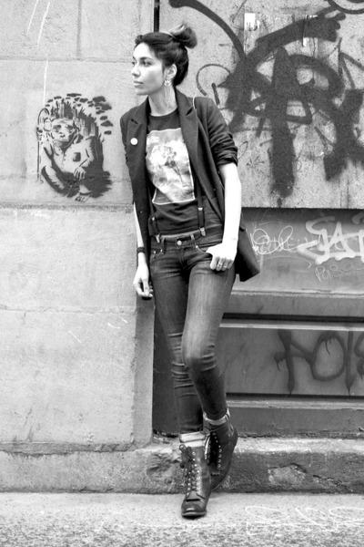 vintage blazer - Justin boots - H&M jeans - vintage t-shirt