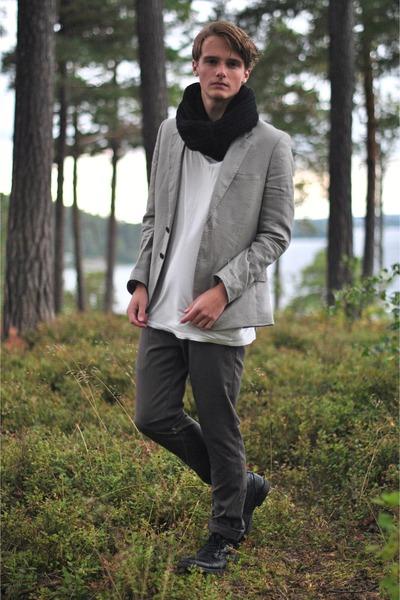 H&M blazer - Din Sko boots - weekday t-shirt - Zara pants