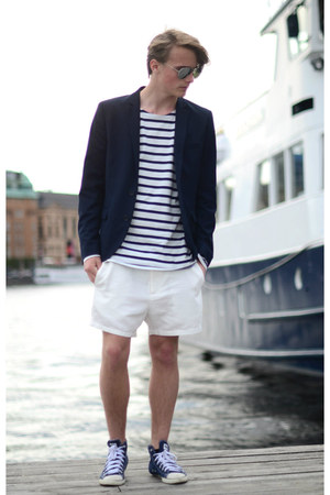 H&M blazer - weekday shorts - Converse sneakers - solo t-shirt