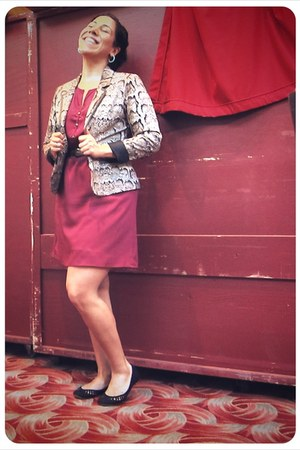 maroon Francescas Closet dress - tan H&M blazer - black Nine West flats