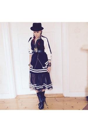 black boots - black Forever 21 coat - ivory Chanel bag - black skirt - black top