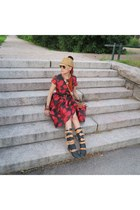 black Choies dress - camel hat