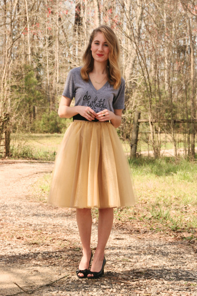 gold eShakti skirt - black vintage belt - heather gray Jolie & Elizabeth t-shirt