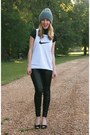 Heather-gray-thrifted-hat-black-zara-leggings-black-gap-t-shirt