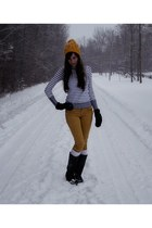 mustard Target hat - white H&ampM shirt - black mittens Ardene gloves