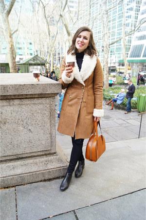 leather ROOTS bag - chelsea Marais USA boots - shearing Urbancode London coat