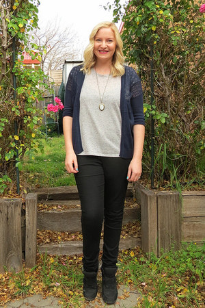 navy cardigan cardigan - black jeggings jeans