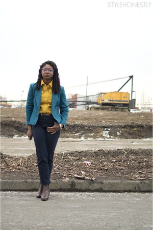 mustard thrifted vintage shirt - dark brown Frye boots