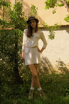 cream H&M dress - black BLANCO necklace