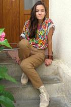 pull&bear t-shirt - off white Red Box boots - bronze Festoon pants