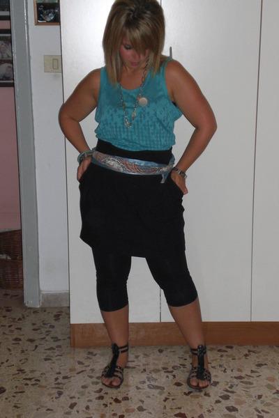 Puma shirt - Zara skirt - Zara leggings - Oysho bracelet - Oysho bracelet - Acce