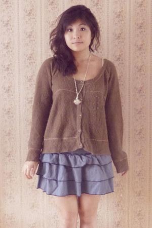 off white Nina Ricci necklace - navy camaieu skirt - tan wool Kookai cardigan