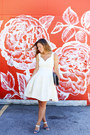 White-feminine-obakki-dress-navy-clutch-vintage-bag
