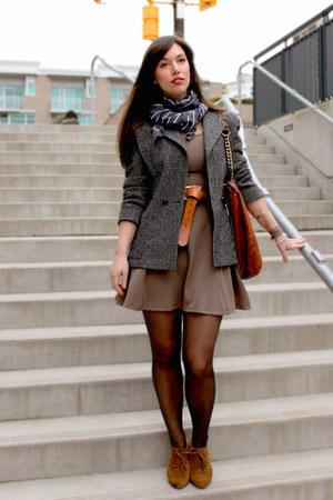 tan stylepiques dress - heather gray Shoppalu blazer - tawny Badgley Mischka bag