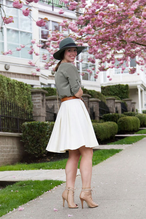 teal silk Club Monaco dress - teal fedora brixton hat