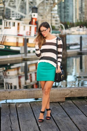 black Plenty bag - eggshell striped Billabong sweater - black strappy H&M heels