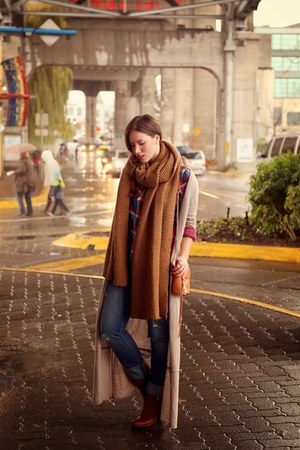 burnt orange oversized Zara scarf
